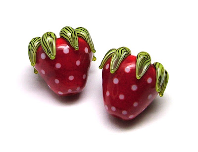 Lampwork Glass Strawberry Beads