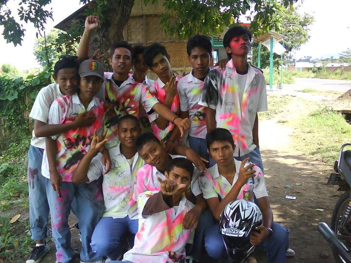 Beragam Cara Pesta Kelulusan Anak SMA di Indonesia