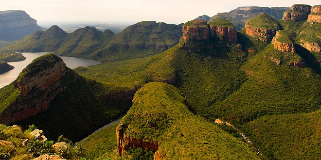 The Three Rondavels, Blyde River Canyon, Drakensberg, South Africa © Matt Prater