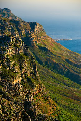 Table Mountain cliffs, Cape Town, South Africa © Matt Prater