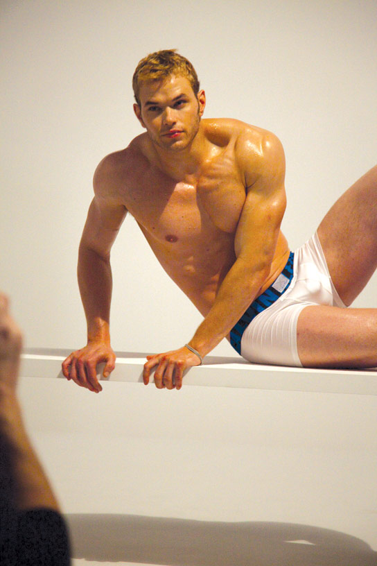 gallery_enlarged-kellan-lutz-calvin-klei