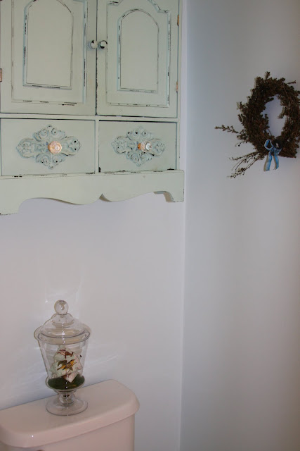 Whimages Itsy Bitsy Refresh In The Powder Room