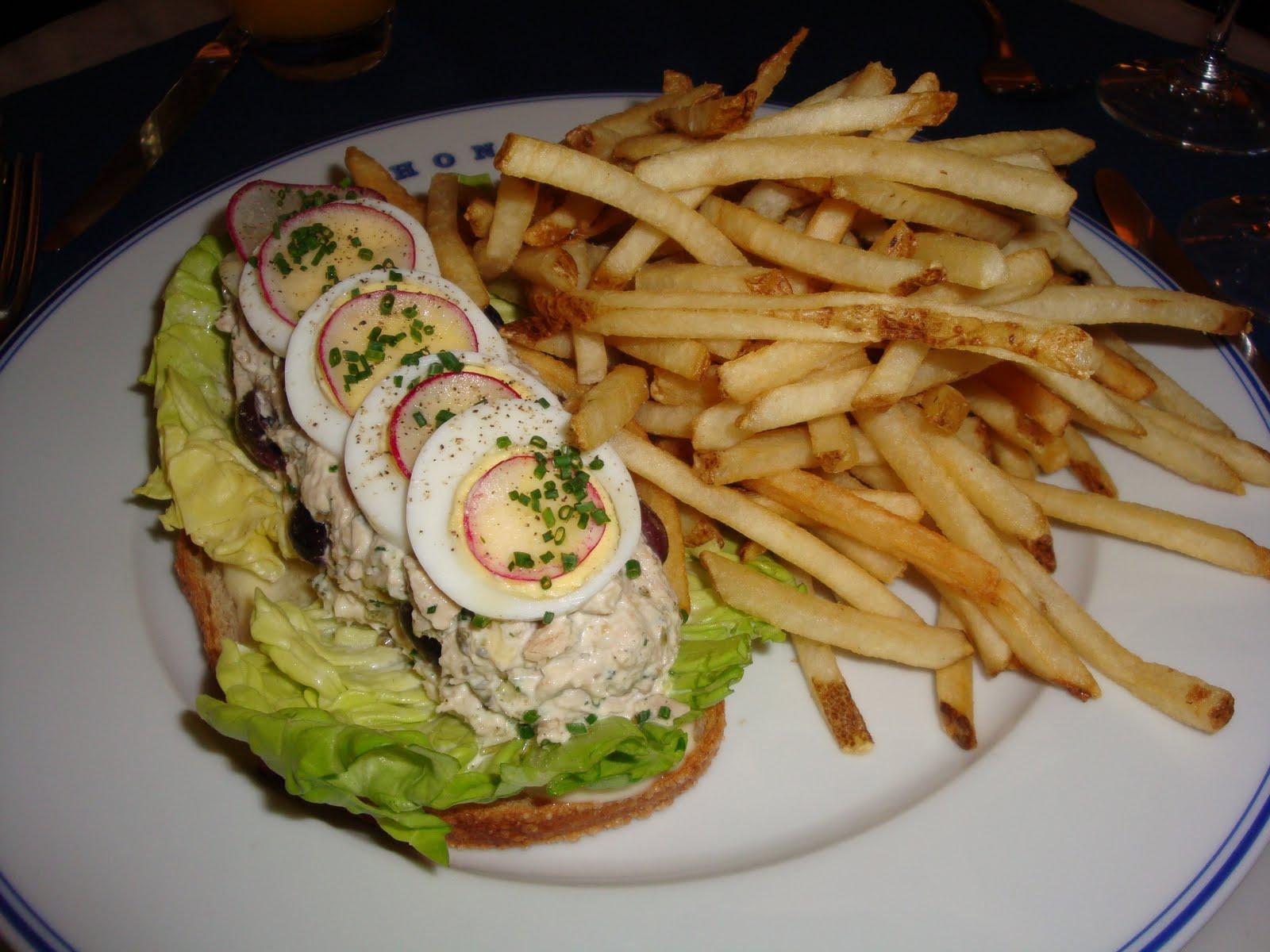 Tartine du tuna: open-faced sandwich on toasted levain bread with ...