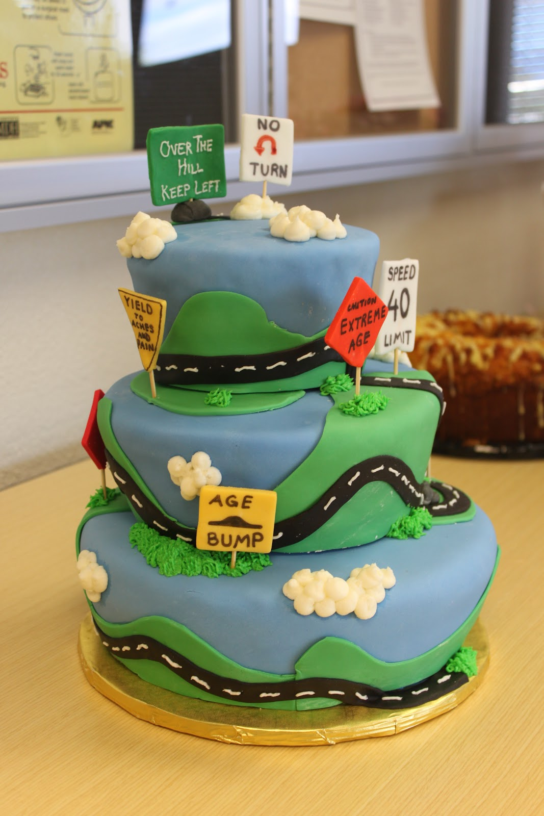 Amazing Over the Hill 40th Birthday Cake 1067 x 1600 · 184 kB · jpeg