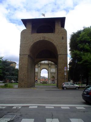 Curiosit di firenze piazza della libert arco e porta - Porte con arco ...
