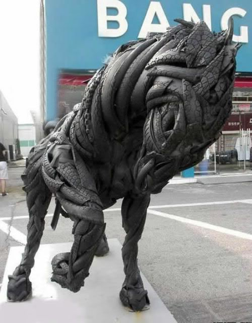 tire art by Ji Yong-Ho