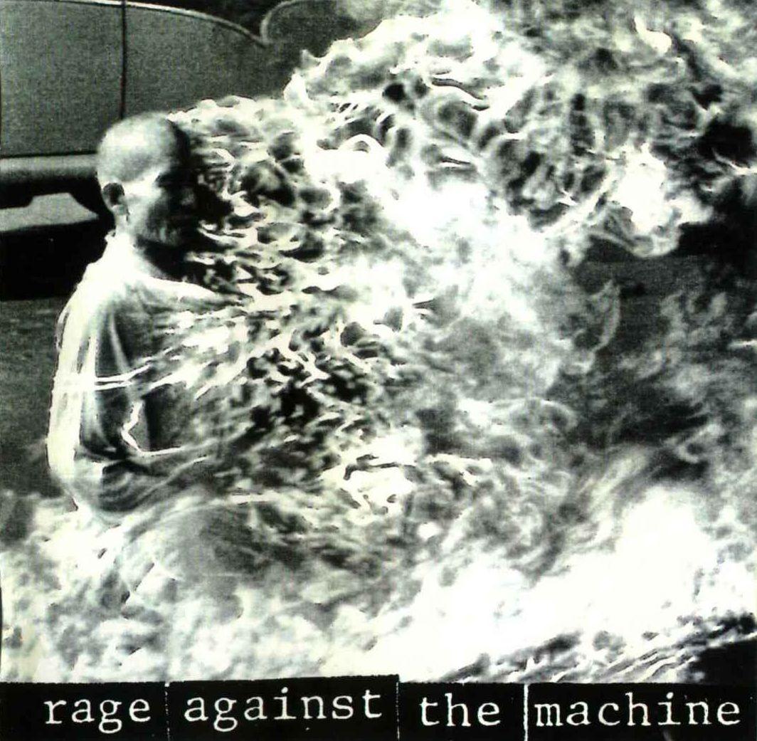 http://4.bp.blogspot.com/_zOlvNool758/TDNq3i56gmI/AAAAAAAABhg/5BWctvoLwok/s1600/Rage-Against-The-Machine_Rage-Against-The-Machine_Cover-Caratula_(2010)_001.jpg