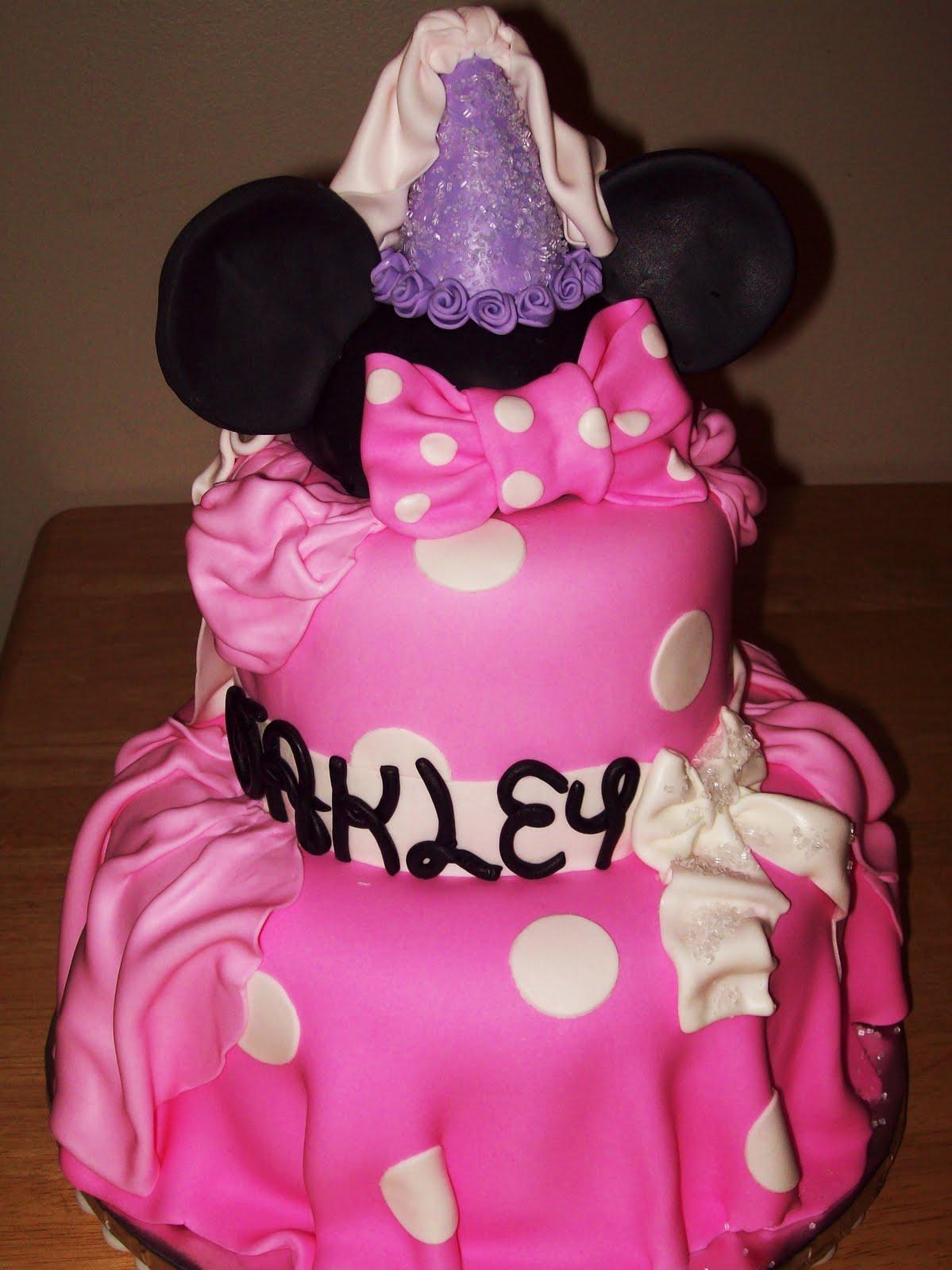Layers of love princess minnie cake - Princesse minnie ...