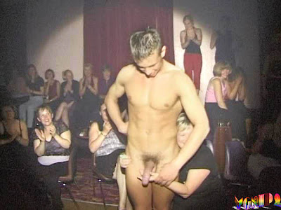 CFNM: completly nude man at party