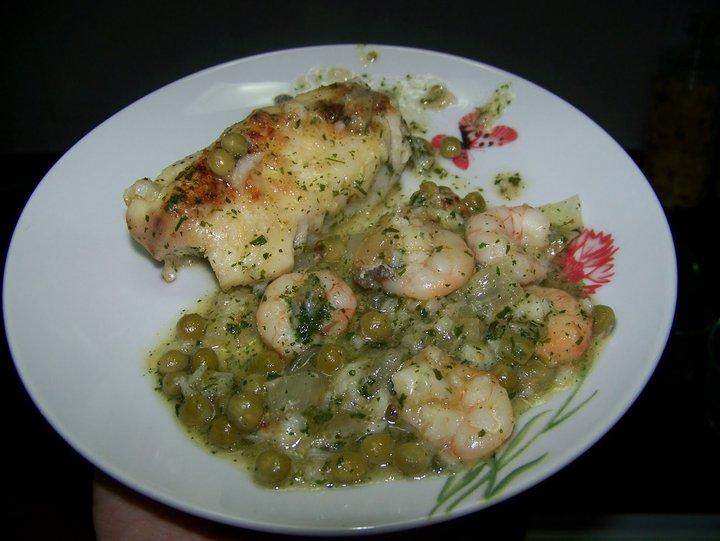 Almer a de tapas lomos de merluza en salsa verde con gambas for Lomos de merluza en salsa verde