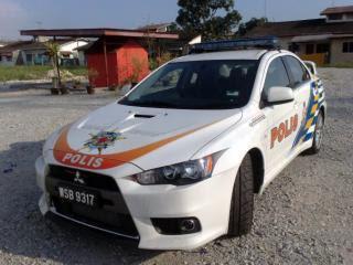 Kereta Peronda Malaysia Evo 10 3