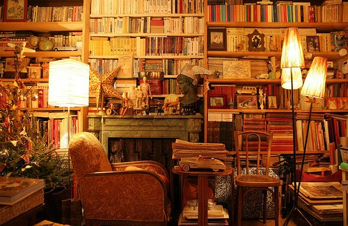 [BOOKScrowdedroom,wehearti]