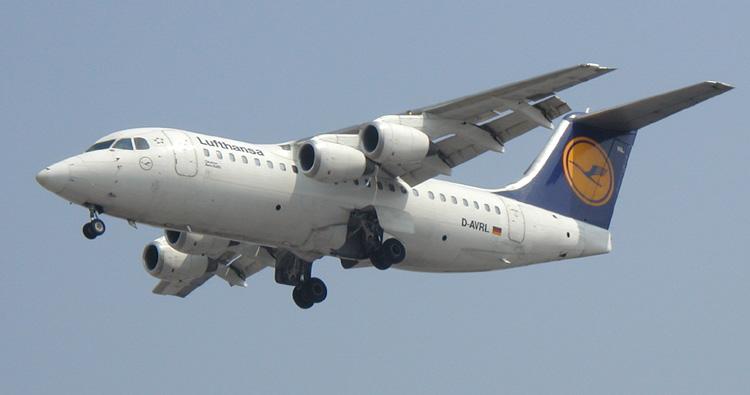 Fashions Era Lufthansa Airlines