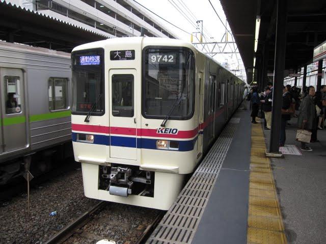 京王電鉄 通勤快速大島行き 9000系(平日1本運行)