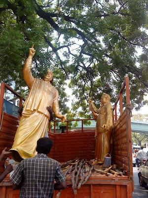 Annadorai's statues