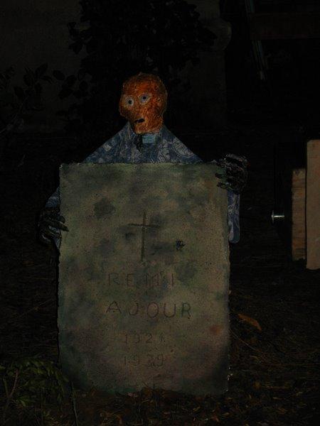 pierre tombale 3005044631_2a136e7541_o