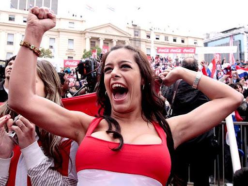 Girls Cheers: Paraguays Super Fan Larissa Riquelme