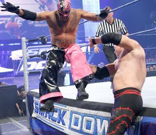 WCC: RING THE BELL! Rey+mysterio+kane+wwe+smackdown