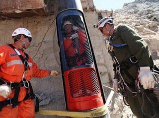 Capsula Fenix que transladará a los 33 mineros