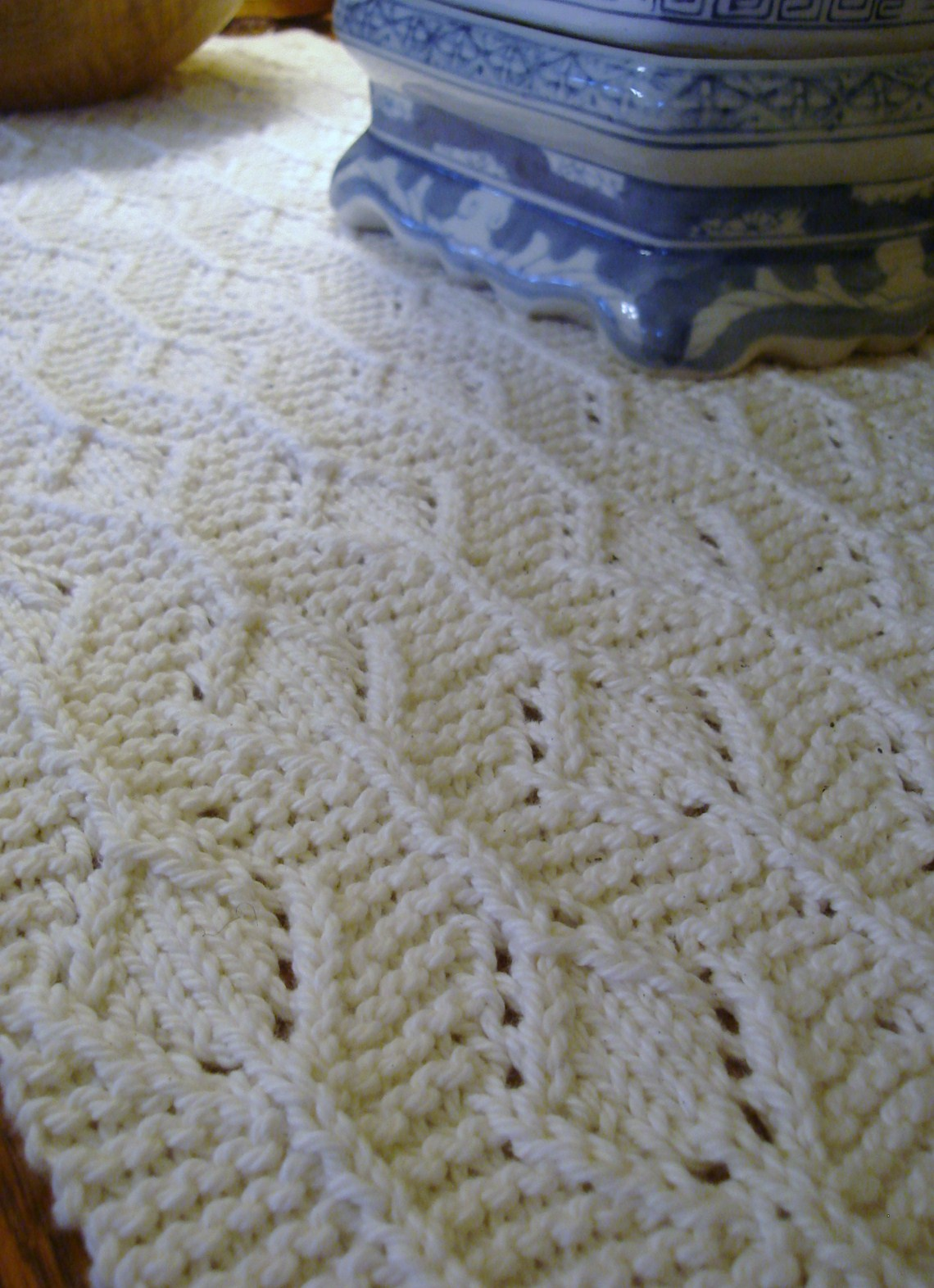 Days at buttermilk cottage hand knitted table runner for Table knitting