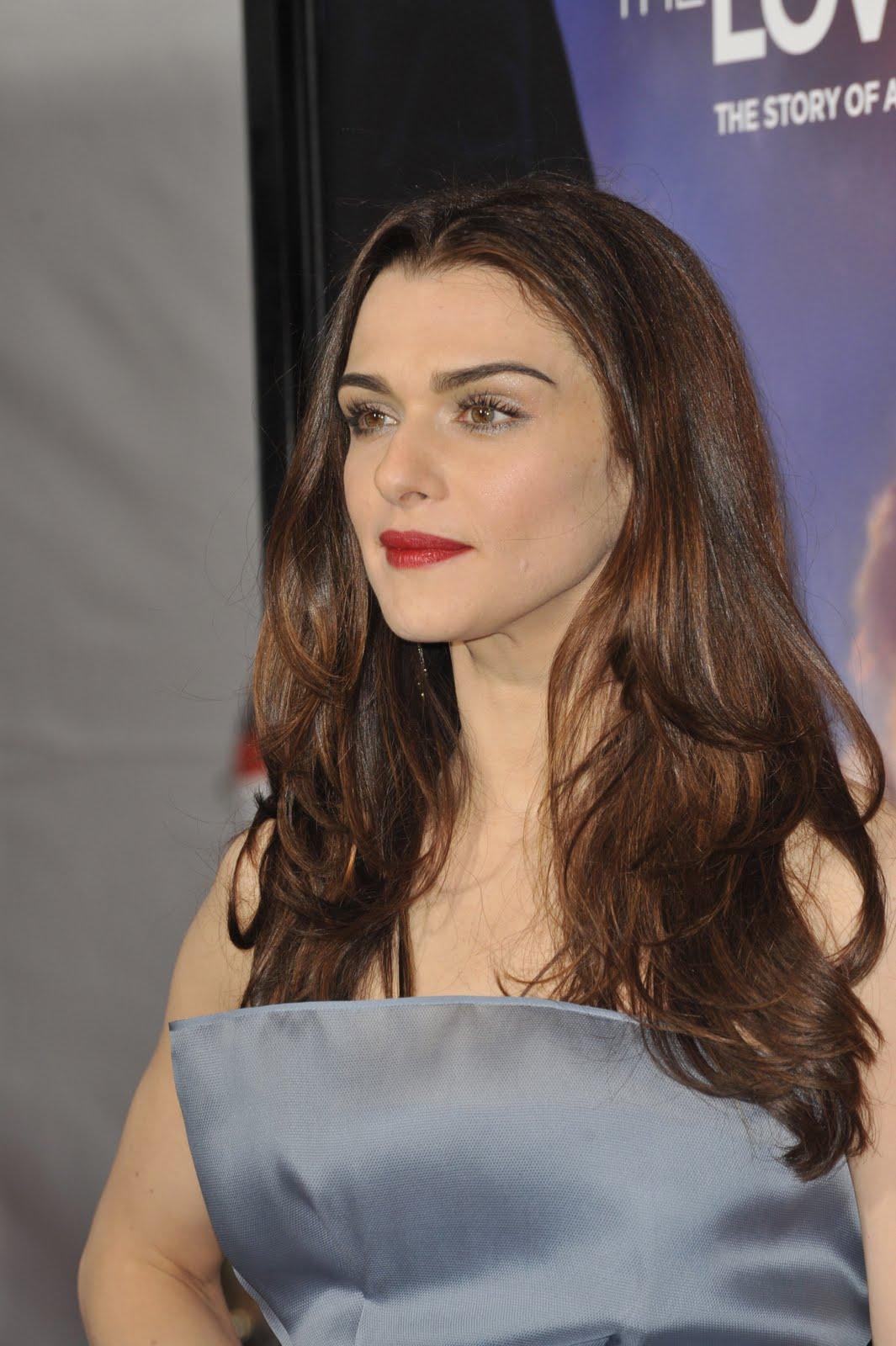 [63148_celebrity-paradise_com-The_Elder-Rachel_Weisz_2009-12-07_-_LA_premier_of_The_Lovely_Bones_5103_122_559lo.jpg]