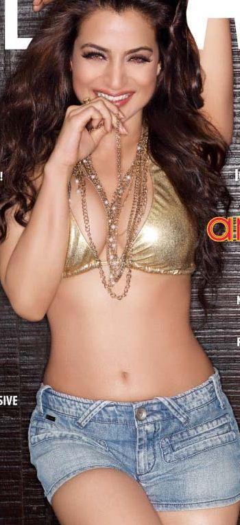 Hot Anjana Sukhani At Loreal Femina Women Awards 2012