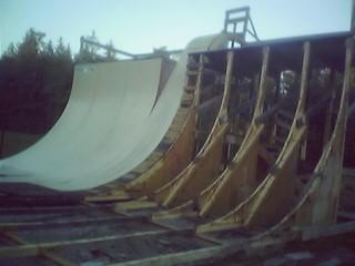 Plus de skate a argonay la mairie va d monter la rampe - La piece montee on va la demonter ...