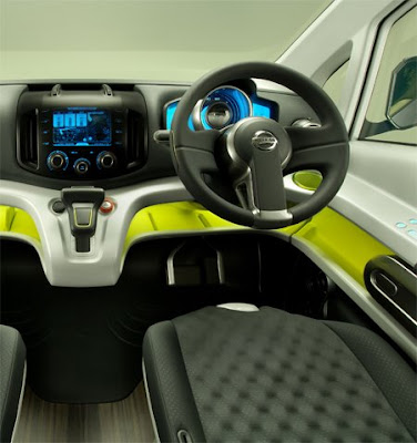 Interior of Nissan NV200 3