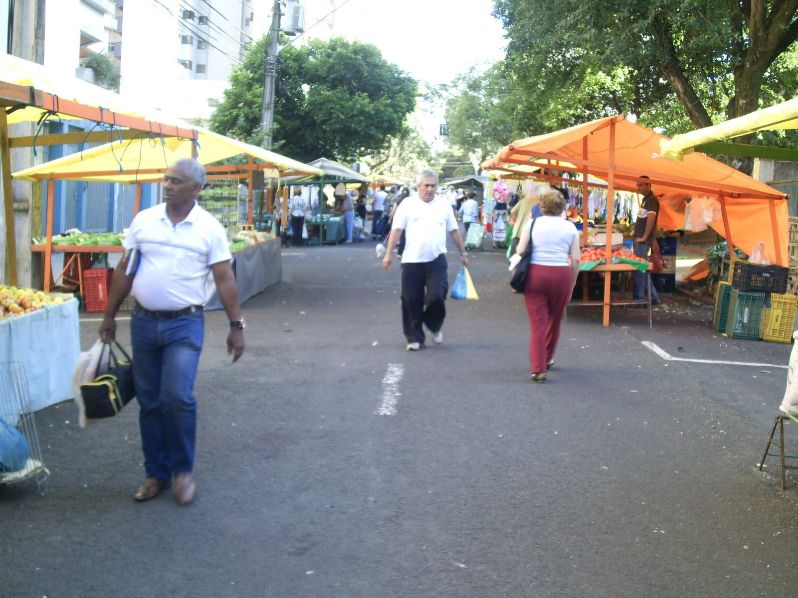 Aparador Hermes Dicoro ~ Jornalismo 2010 Feiras livres s u00e3o transformadas em patrim u00f4nio sócio cultural do município de