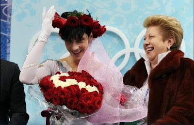 American Johnny Weir rose crown white black gloves scores mens figure skating free skate Olympics Vancouver 2010 screencaps images photos pictures screengrabs capture ice