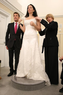 Say Yes to the Dress Susan Levine antique lace wedding gown screencaps images photos pictures Kleinfeld