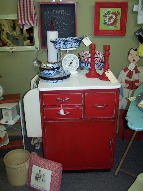 kitchen island, red paint, cookbook storage, http://bec4-beyondthepicketfence.blogspot.com/2013/08/shutter-island.html