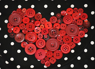 valentine gifts: button heart pillows tutorial