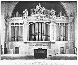 The Wanamaker Organ at the 1904 World's Fair.  Photo from Wikipedia.
