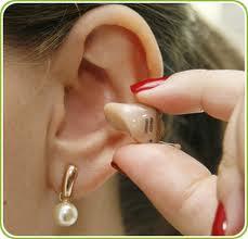 Assistência técnica de aparelhos auditivos