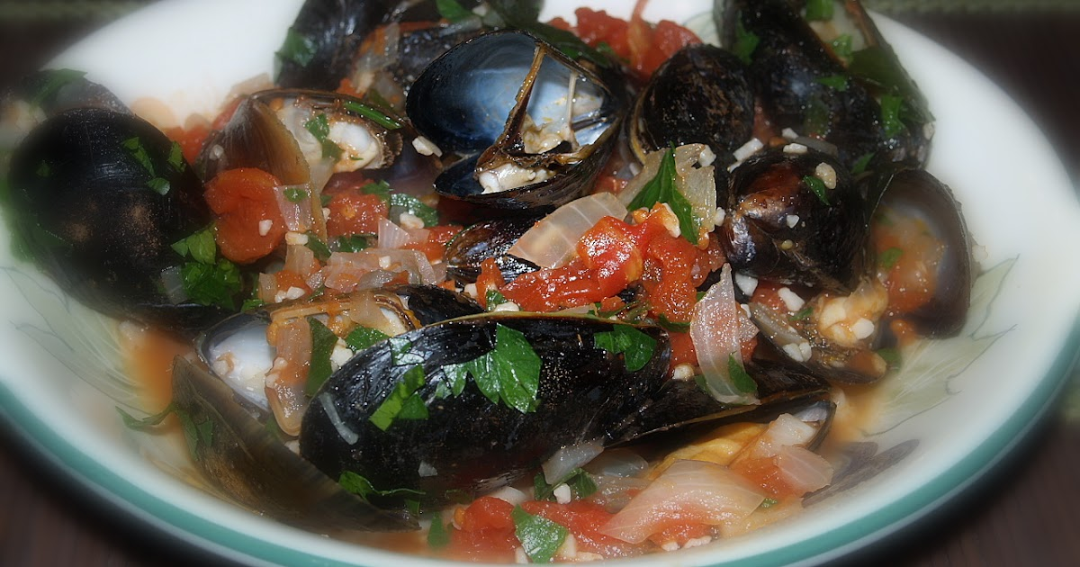 Nora's Tried and True Recipes!!: MUSSELS IN SPICY TOMATO SAUCE WITH ...