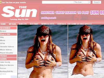 Avril Lavigne quase perde o biquíni em Malibu