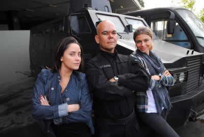 Bom dia, Frankenstein: Fernanda Vasconcellos e Grazi Massafera treinam com BOPE