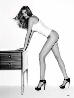 Topless: Ana Beatriz Barros na DT Magazine