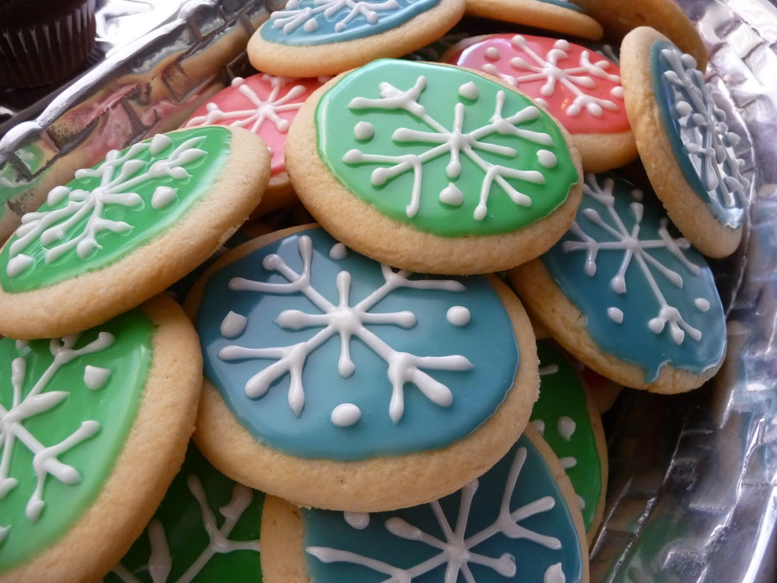 My Computer is My Canvas: Cookie Exchange & Easy Royal Icing Recipe