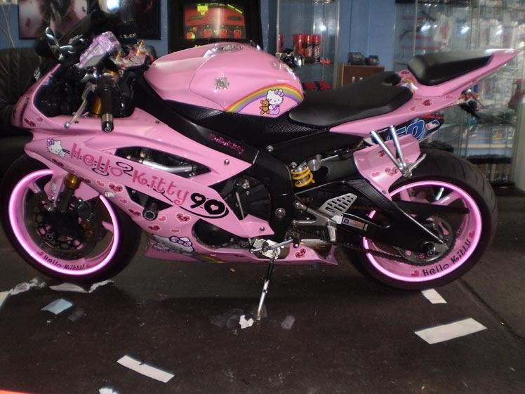 Juzz Wheelzz: Pink Hel...
