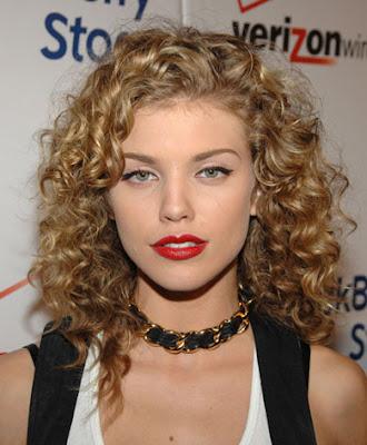 annalynne-mccord-curly-hair
