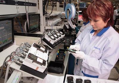 شوفوا التكنولوجيــــا  صور مصنع موبايلات نوكيـــا   فى فنلنـــدا 2010 7