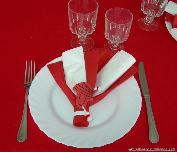 Decoracion de mesas fiesta despedida peruana for Decoracion de servilletas