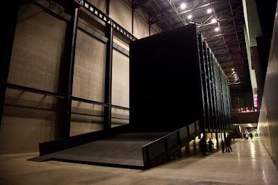 El cuarto oscuro más grande del mundo   pasa el mocho