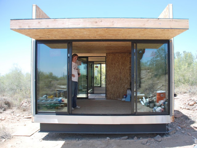 Taliesin students build prefab mod sustainable home in the for Prefab concrete house