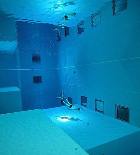 If It 39 S Hip It 39 S Here Archives Dive Into The World 39 S Deepest Pool Nemo 33 In Brussels