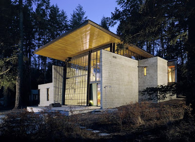 The Chicken Point Cabin Is A Loft-Like Modern Dwelling In Northern Idaho Seen On www.coolpicturegallery.us