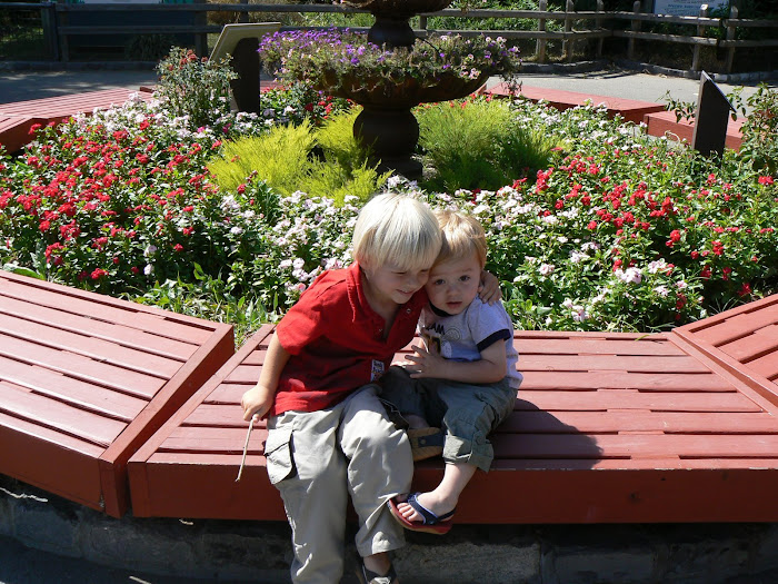 Henry and Corbin at the Zoo