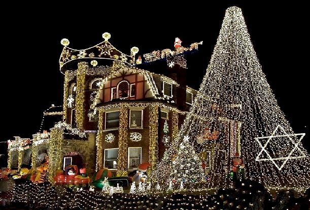 Brighton beach outdoor lights for christmas home for Home outdoor christmas decorations ideas